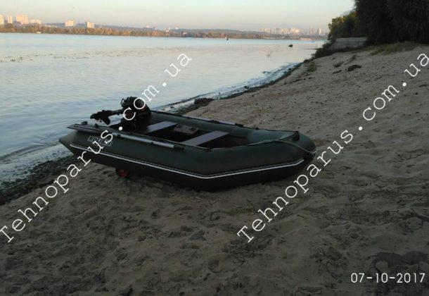 Транцевые колеса ТЕХНОПАРУС на лодке клиента