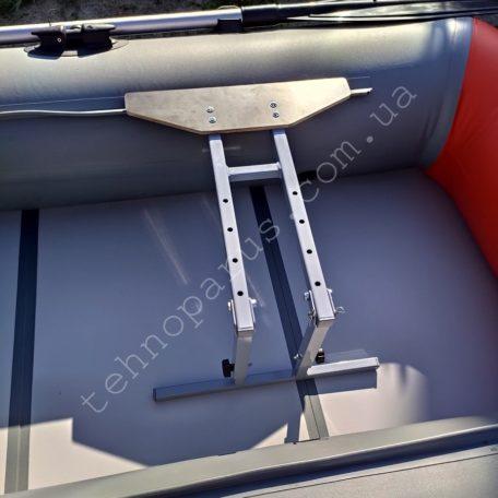Стойка для сидения в лодку